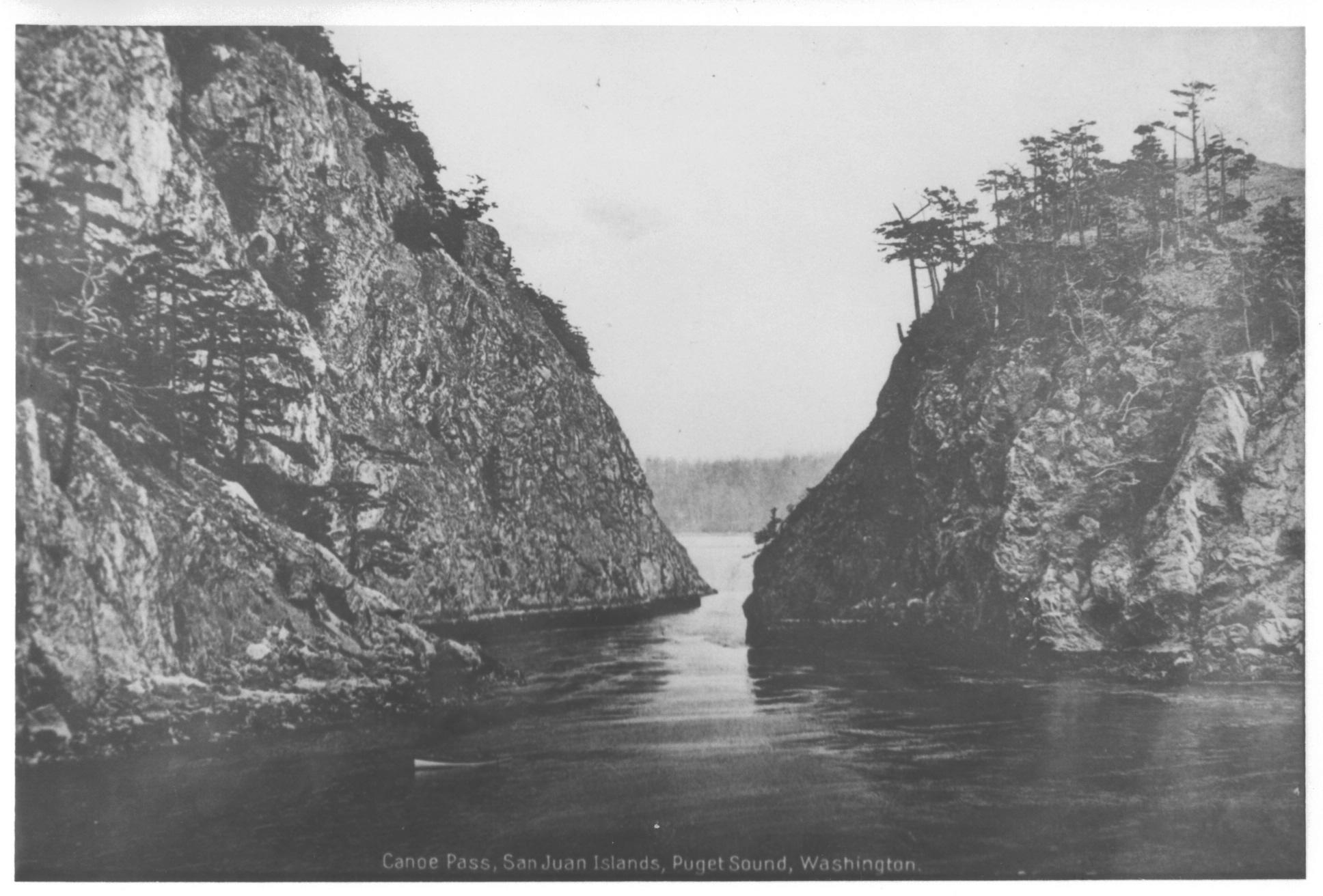 pre-bridge-canoe